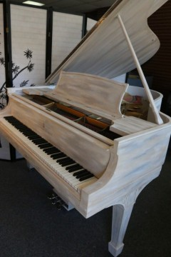 Sonny improvises on his Sandstone Steinway and demonstrates his other designer line of Steinway Pianos.
