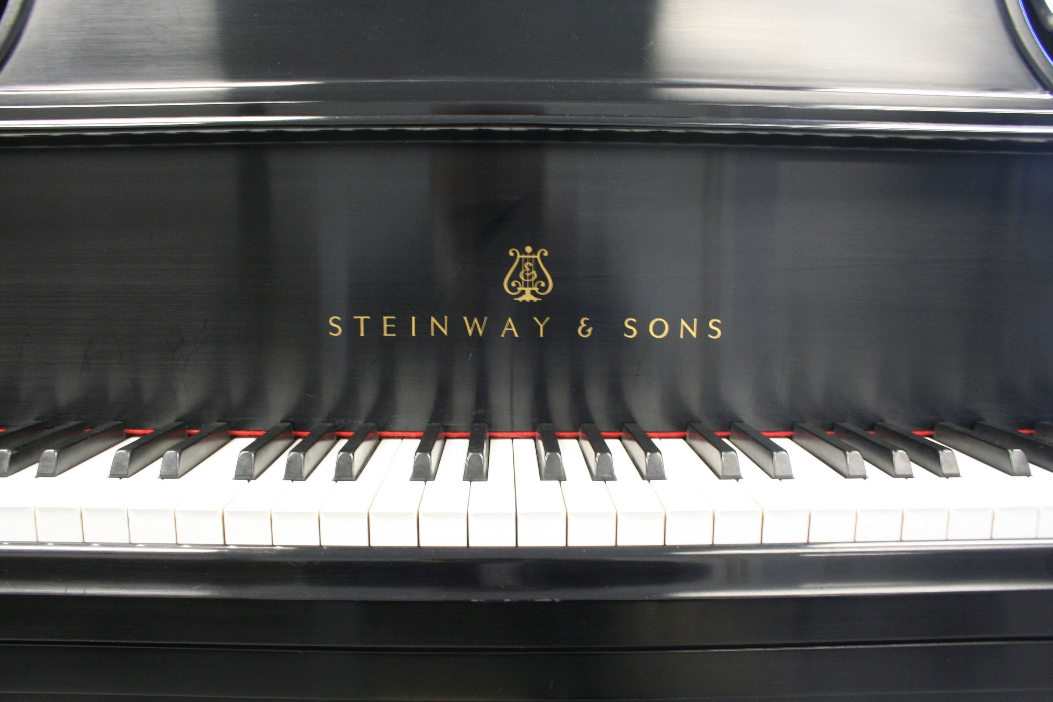 (SOLD) Steinway Grand Piano Model M 2005 Ebony Pristine Mint
