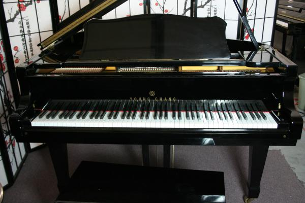 (SOLD) Ebony Gloss Baby Grand Piano By Young Chang 1990's Excellent