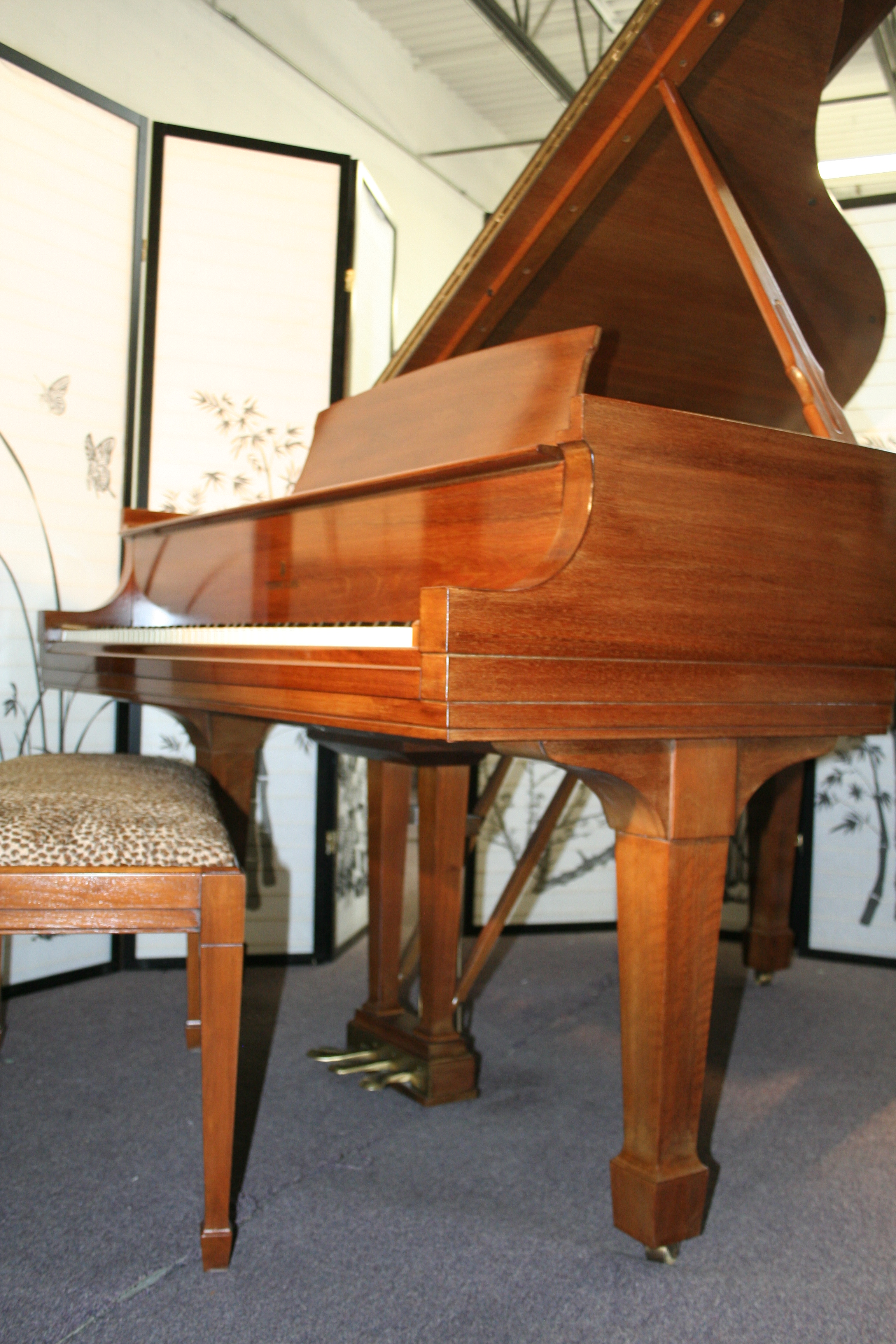 (SOLD) Steinway Baby Grand Piano 5'1' Model S Walnut 1962