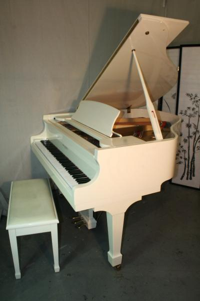 (SOLD) White Gloss Baby Grand Piano 1987