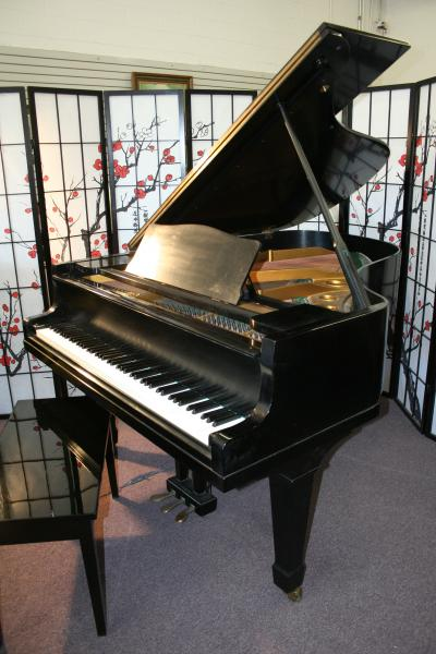 (SOLD)Yamaha Grand Piano G3 6' Satin Ebony Rich Tone