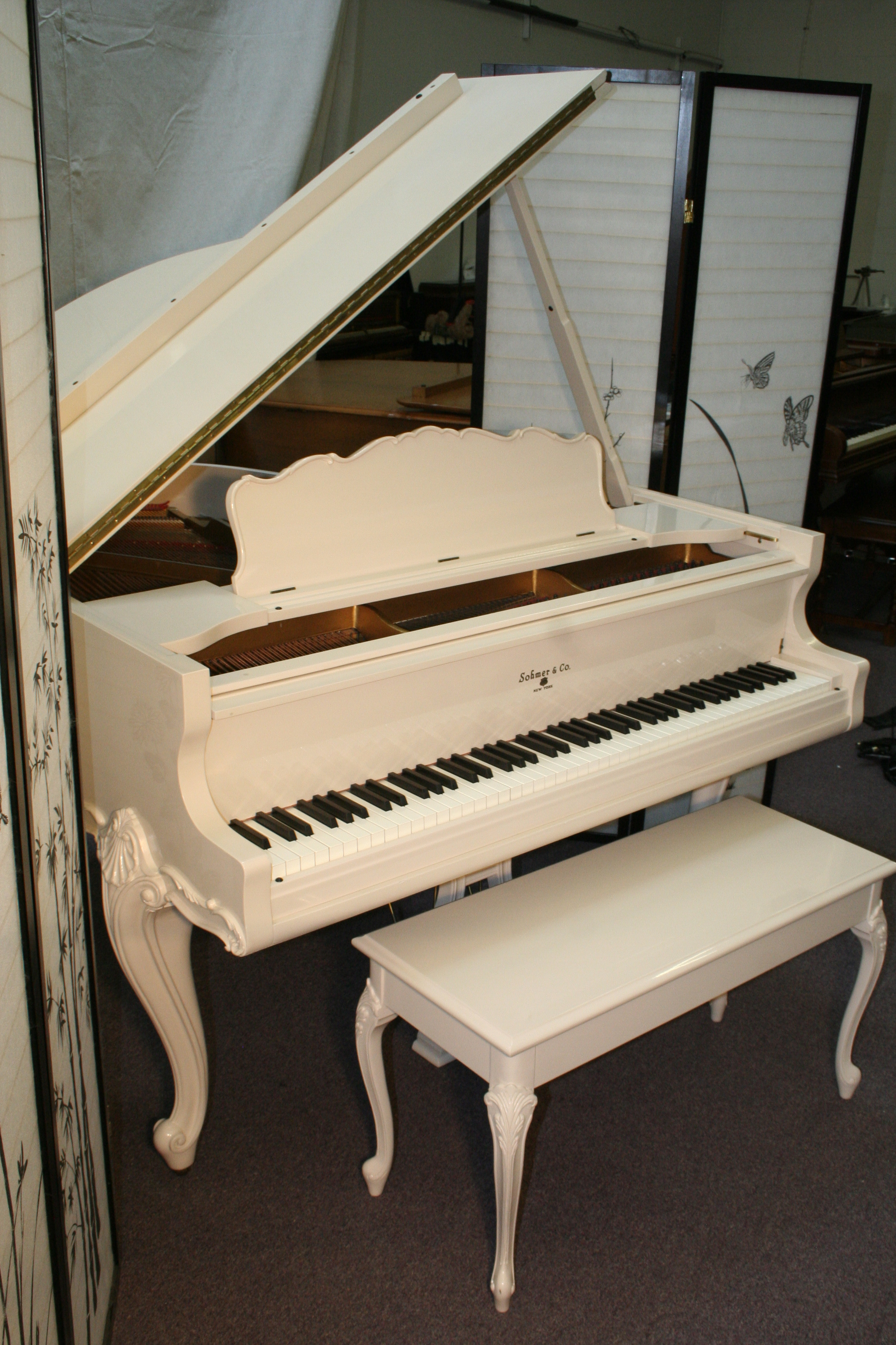 (SOLD)Art Case Sohmer Baby Grand Piano Queen Anne Legs White Gloss (ANDY WILLIAMS TRIBUTE) 5' 1967