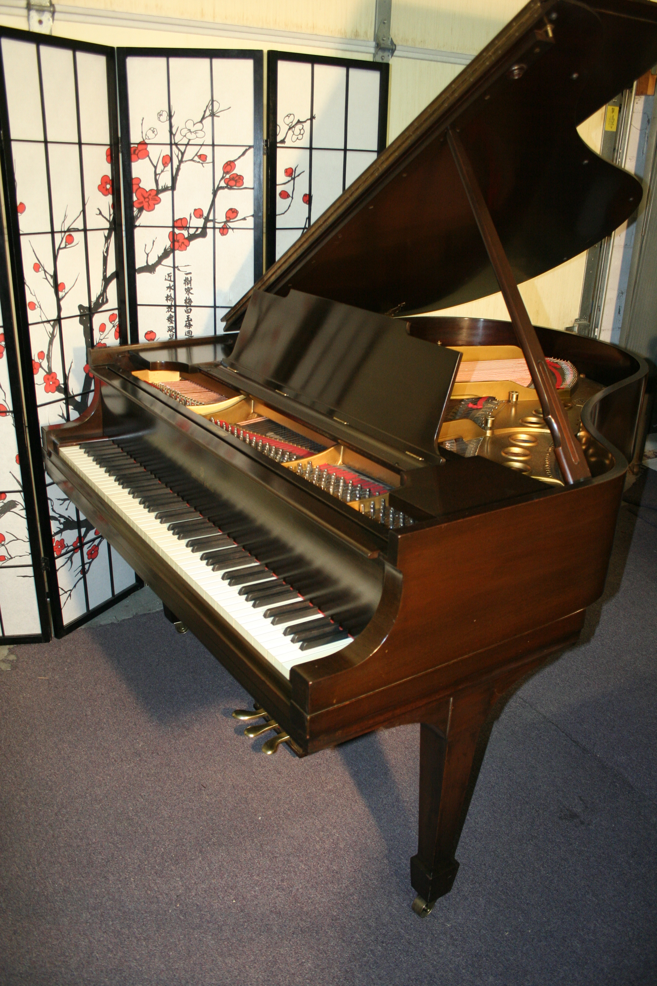 (SOLD) Steinway Grand Piano Model M 5'7 1932 Mahogany Recently Rebuilt. HOLIDAY SPECIAL:FREE DELIVERY!