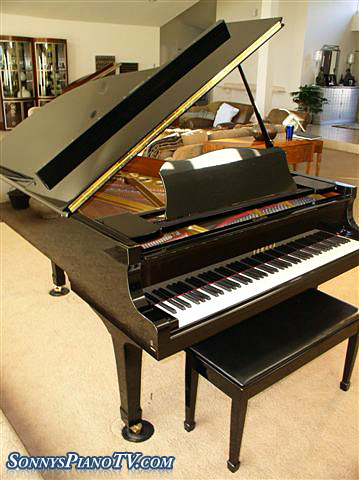 (SOLD)Steinway Grand Piano Model M 1972 Walnut Refinished/Refurbished