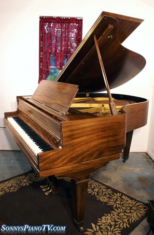 (SOLD)Mahogany Baby Grand 5'5