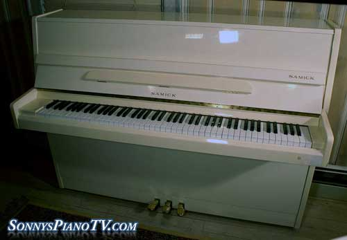 (SOLD)Gloss Samick Studio Upright $1500 - See Video