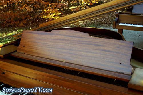 (SOLD)Sterling Baby Grand Piano Mahogany 5'2