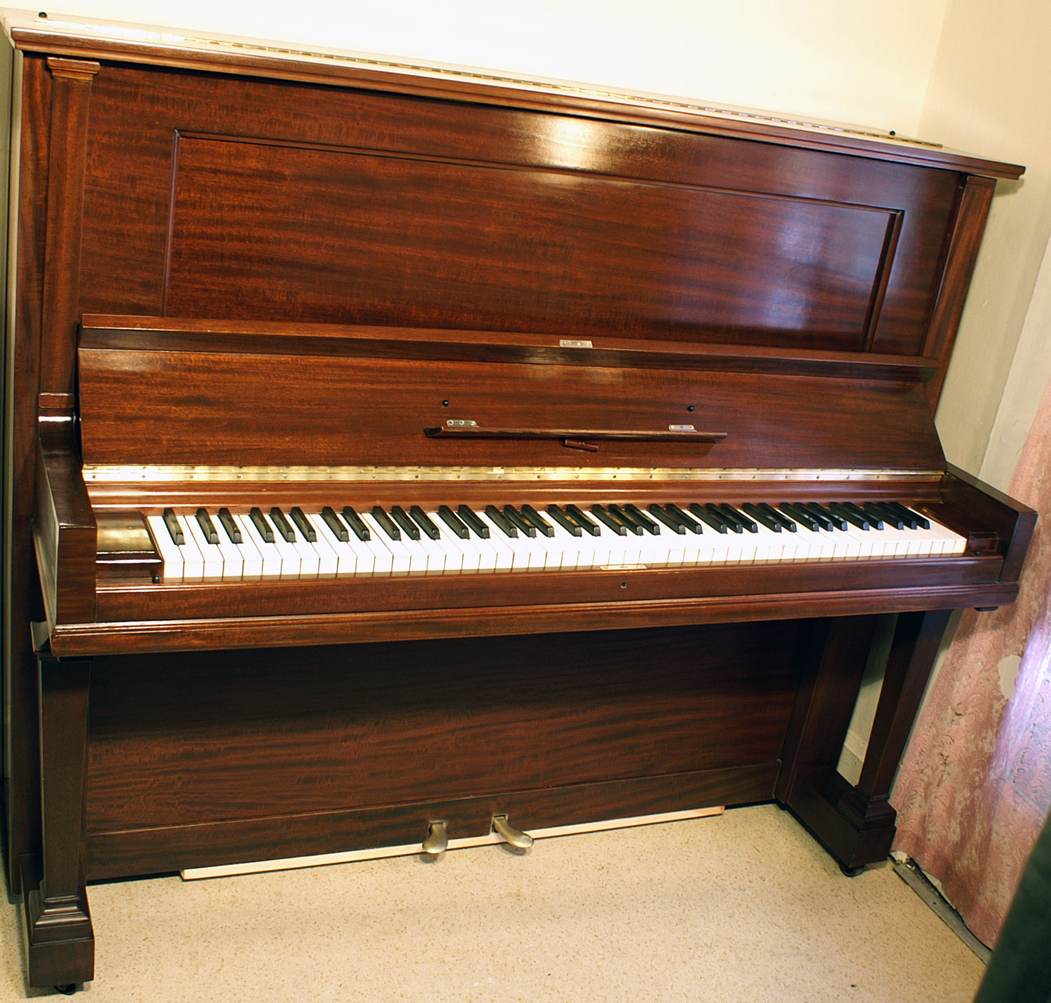 (SOLD) Steinway (SOLD)Upright Piano Mahogany 52