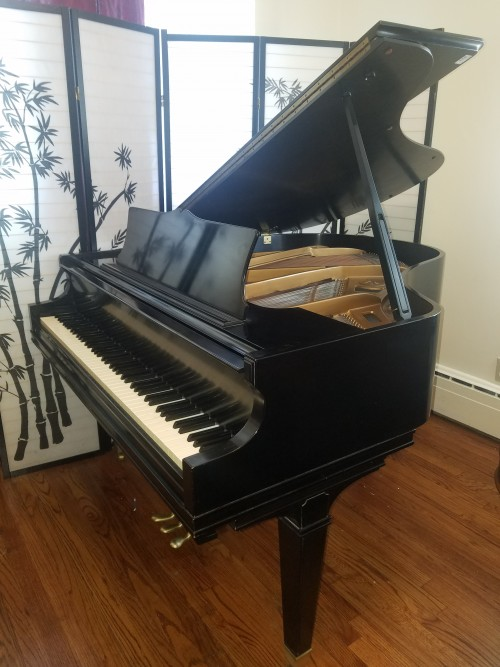 (SOLD)Chickering Baby Grand Ebony/Black 5'1