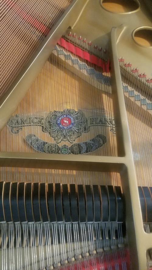 SAMICK GRAND PIANO 5'7