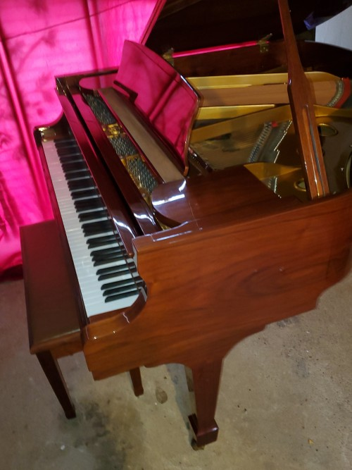 Beautiful Walnut Samick Baby Grand Piano 1995 5'1