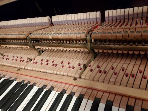 (SOLD)Steinway Grand Piano 1982 Model M Satin Ebony 5'7