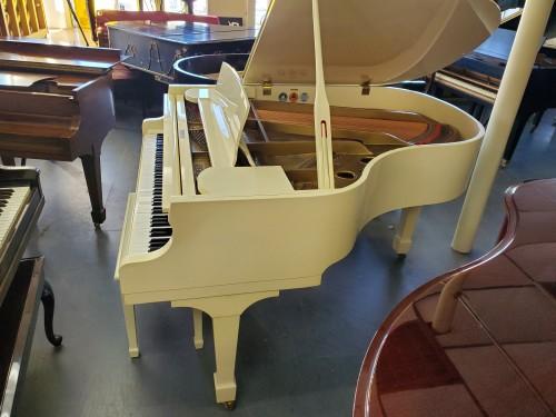 SAMICK HIGH GLOSS IVORY/WHITE GRAND PIANO 1987  5'8