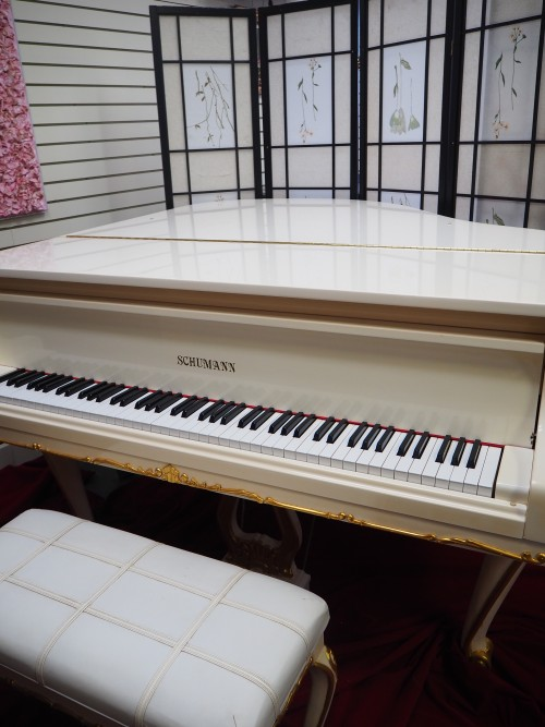 (SOLD)White Gloss Schumann Piano Art Case Queen Anne Style with Gold Trim