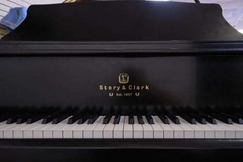 Story & Clark Grand Piano 5'6