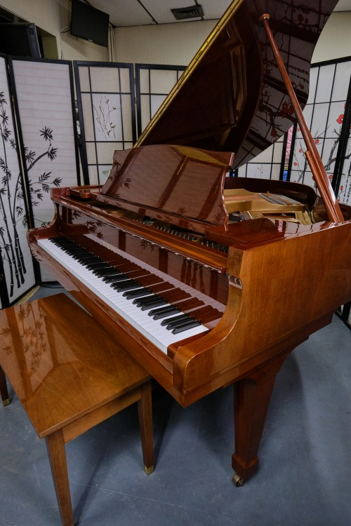 (SOLD)Kawai KG1E Grand Piano Hi-Gloss, Polished Walnut 1988 Like New
