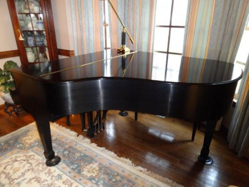 Steinway M 2000 Satin Ebony Pristine, Lightly Played, Showroom condition, One Owner $39,950.