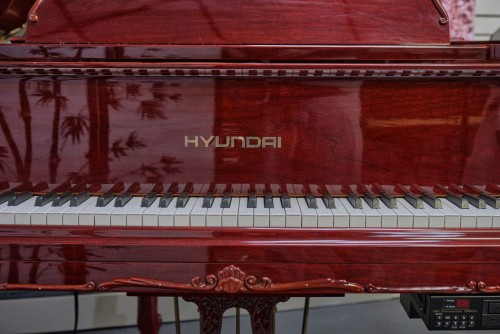 Gorgeous Art Case Samick/Hyundai Player Piano, Red Mahogany, Queen Anne Style $6500.