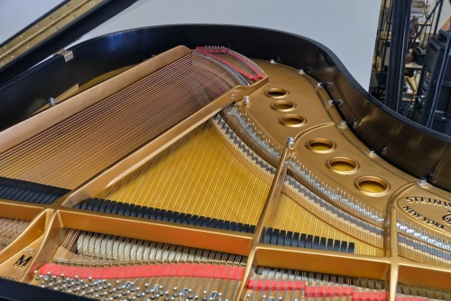 Steinway M 2001 Satin Ebony, perfect,  showroom condition, low mileage, just regulated, voiced, warranty