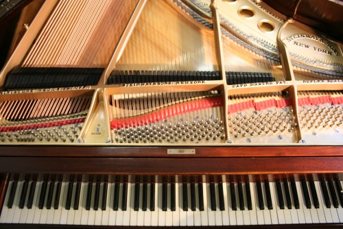 Steinway Grand Piano Model M Excellent Rebuilt/Refinished New strings/Pins/refinished (SOLD)