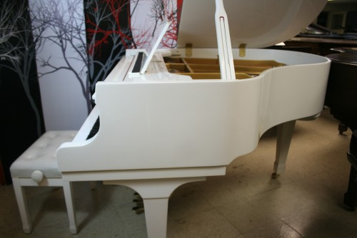 White Gloss Hallet & Davis Baby Grand Player Piano w/QRS CD Player System $7900. (SOLD)