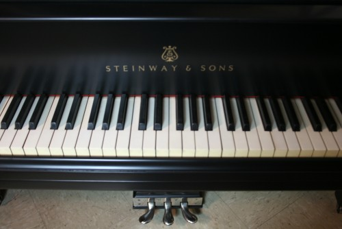 Steinway M  Grand Piano $10,500 (VIDEO) Ebony 1920 New Steinway Hammers all else excellent Original Parts.