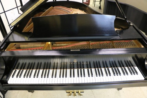 (SOLD) BLOWOUT SALE!  Used Steinway M 1928 Ebony Grand Piano (VIDEO)  Refubished/Refinished