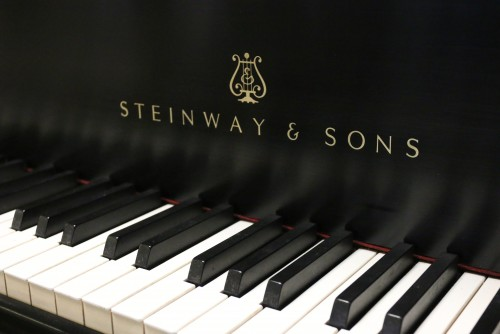 (SOLD)!!! Steinway M 1975 Ebony Black (VIDEO) Grand Piano. All original Steinway Factory finish and parts!