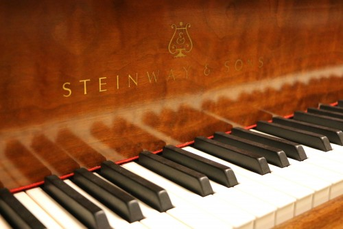 (SOLD.. Congrats Bonnie!) King Louis XV Steinway M Walnut 1982 Pristine (SOLD)