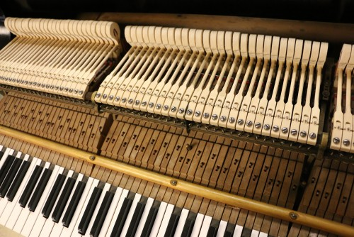(SOLD) BLOWOUT SALE! Pre-owned Used Steinway M  Ebony Semi-gloss for  NYC NJ CT & Nationwide & Worldwide 1918 (VIDEO) Refinished/Restored