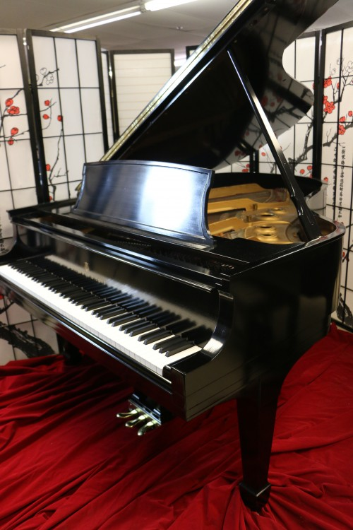 (SOLD Steinway L Pre-owned, Lightly Used Ebony Steinway L 5'10.5 (VIDEO) Grand Piano 1945