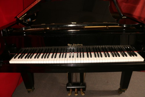 (SOLD) Concert Grand Otto Altenburg 7'6
