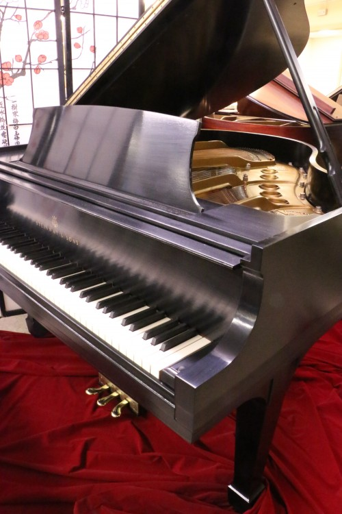 (SOLD)BLOWOUT SALE! Steinway S Baby Grand Piano 5'1