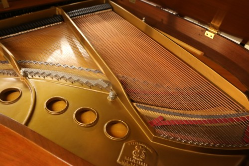 (SOLD)Steinway M King Louis XV Art Case Piano  Walnut 1968 Pristine