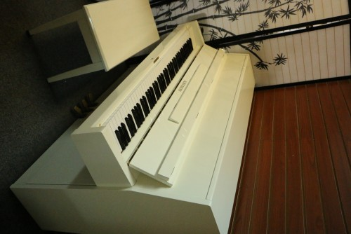 White Gloss Schumann Console Excellent Inside &Out  $1700.