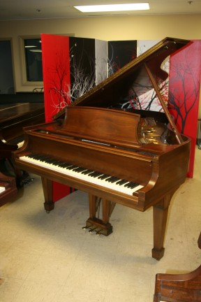Used Steinway L Grand Piano, Walnut 1975 Excellent Professionally Refurbished 11/2013 $17,500.