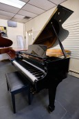 (SOLDTO YAN LI) SAMICK Ebony Gloss Grand Piano 5'8
