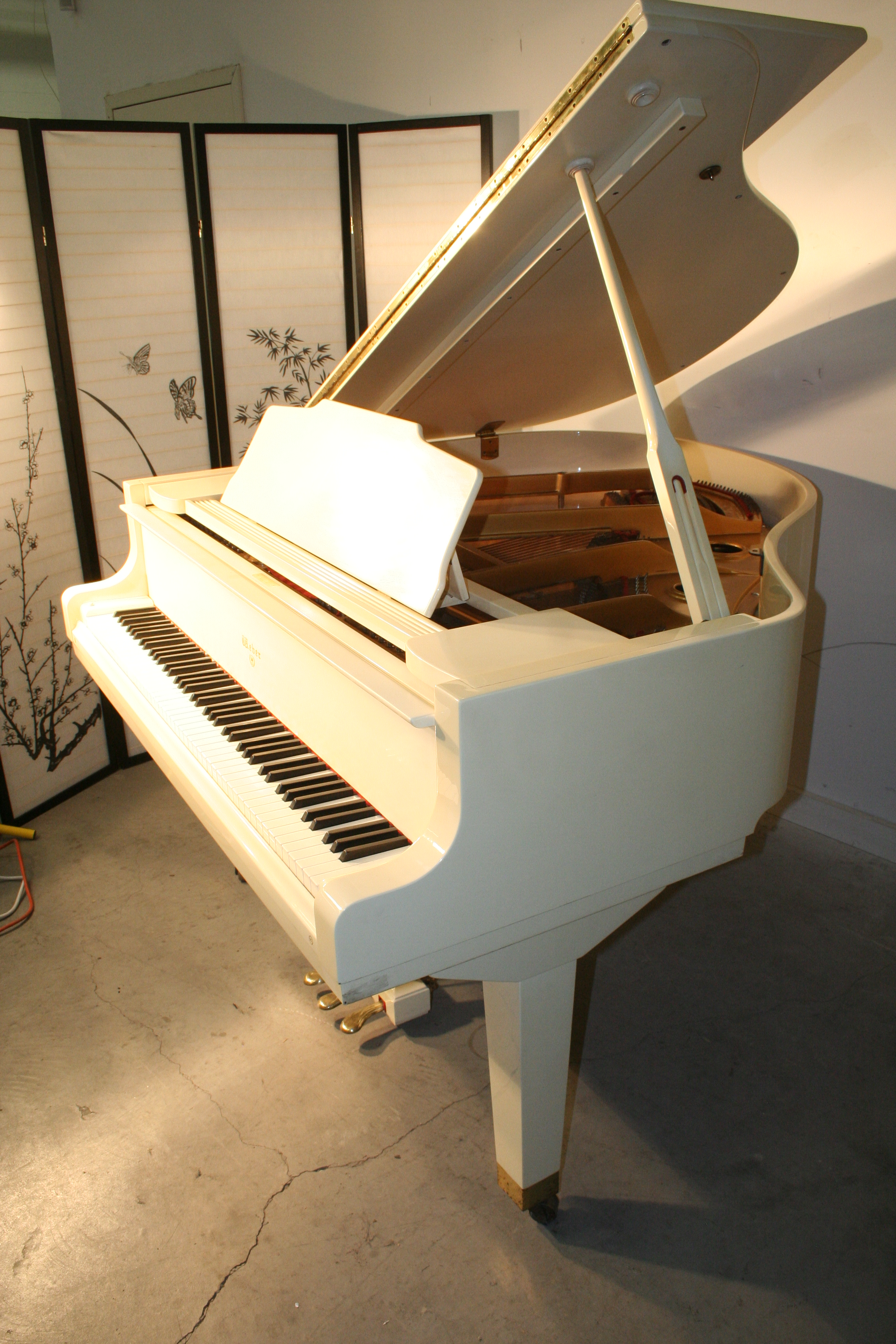 (SOLD)White Gloss Baby Grand Piano by Weber 4'11