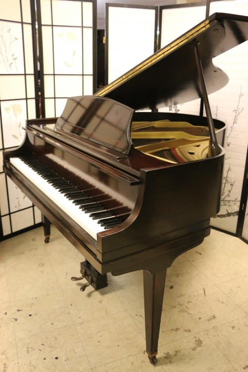 Sonnys piano tv piano photos sold stroud le petite for How big is a baby grand piano