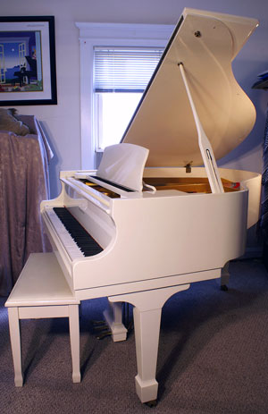Piano For Sale Samick Baby Grand Piano Ivory Like New